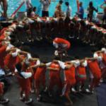 世界水泳の日本代表の応援ワンパがやっぱり好きです。小沢トレーナーがいいよね。競泳陣の頑張りはこのワンパが左右してる??